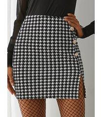 yoins basics minifalda negra de pata de gallo con botones delanteros