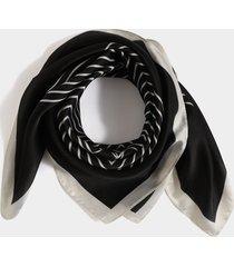 bufanda cuadrada rayas geométricas