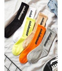 impresión de letras hip-hop para hombre calcetines