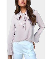 blusa de gasa con mangas acampanadas con diseño de lazo gris