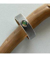 -minimalistyczna obrączka z opalem-