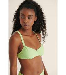 mimi a.r x na-kd recycled, rynkad bikini med en kupdesign - green