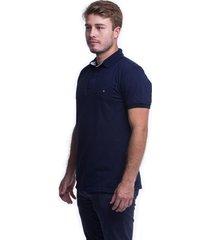 camiseta polo hamer, basica con bordado, para hombre color azul oscuro