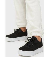 nly shoes flirty platform sneaker low top svart
