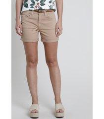 short de sarja feminino cintura média com barra dobrada e cinto bege