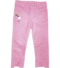 pantalón en color rosado con bordados