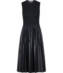 sleeveless plisse logo midi dress