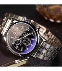 orologio da polso da uomo al quarzo con cinturino in argento con quadrante nero e cinturino alla moda