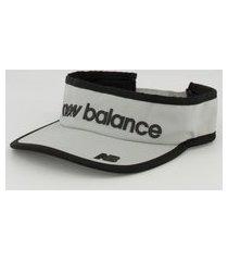 viseira new balance logo cinza