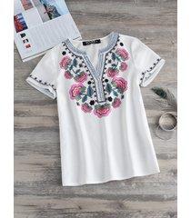 yoins blusa de manga corta con cuello de pico y estampado floral beige