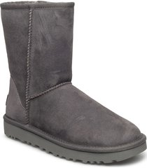 w classic short ii shoes boots ankle boots ankle boots flat heel grå ugg