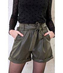 leren shorts met strik legergroen
