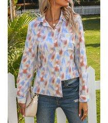 camicetta con risvolto manica lunga con bottoni tascabili con fiocco tie dye