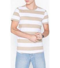 premium by jack & jones jprmatrick bla. tee ss crew neck pr t-shirts & linnen ljus brun