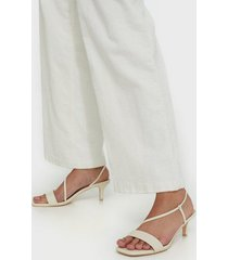 nly shoes cross strapped heel sandal low heel