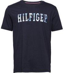 hilfiger floral tee t-shirts short-sleeved blå tommy hilfiger