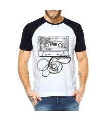 camiseta raglan criativa urbana fita cassete k7