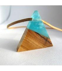 drewniany wisiorek trójkąt oliwka+błękit
