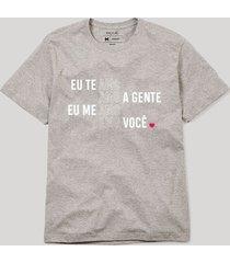 camiseta amo amo amo reserva cinza - cinza - masculino - dafiti