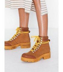 gestuz candogz boots heel