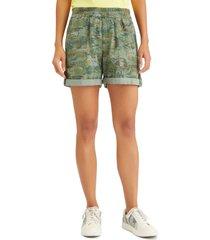 sanctuary trailblazer shorts, size 24 in tropic camo at nordstrom