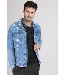 jaqueta jeans masculina trucker destroyed com bolsos azul claro
