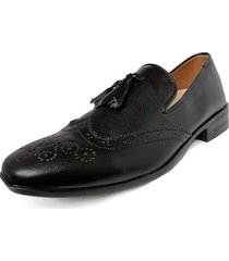 zapato hombre tipo loafer oxford negro outfit