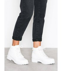 nly shoes lace boot flat boots vit