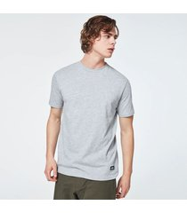 camiseta oakley patch short sleeve tee