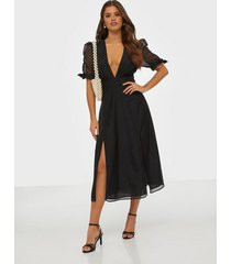 glamorous half sleeve v neck midi dress loose fit