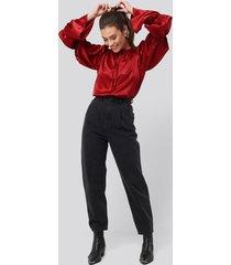na-kd trend cropped balloon leg jeans - black,grey