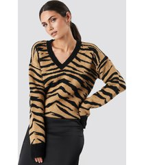 na-kd animal printed v-neck knitted sweater - beige
