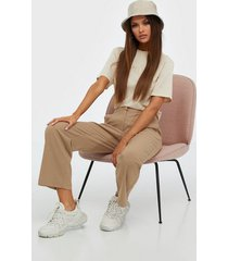 pieces pcnibi mw ankle pants byxor