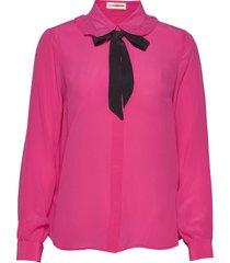 emma sofie ruffle blus långärmad rosa custommade