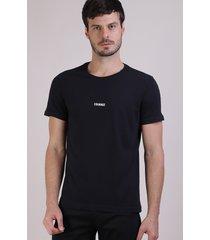 "camiseta masculina ""courage"" manga curta gola careca preta"