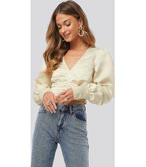anna skura x na-kd draped waist blouse - beige