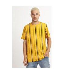 camiseta masculina estampada listrada manga curta gola carecaamarela