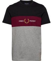 emb panel t-shirt t-shirts short-sleeved grå fred perry