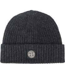 stone island logo patch wool beanie - grey