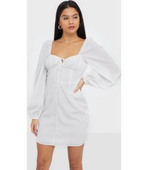 glamorous corset baloon sleeve dress klänningar