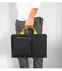 etui na laptop żółta rączka