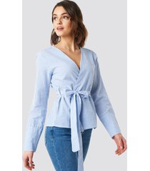 na-kd overlap striped blouse - blue