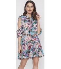 sukienka z wyciętymi ramionami