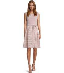 4351 4133 roze kleed met rok