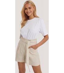 mango shorts med paperbag-midja - beige