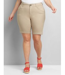 lane bryant women's curvy fit slim bermuda short 26 natural