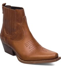 frikka shoes boots ankle boots ankle boot - heel brun re:designed est 2003