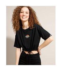 camiseta cropped as meninas superpoderosas com bordado e amarração manga curta decote redondo preta