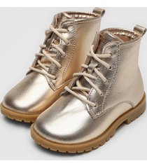 bota coturno couro ortopã© infantil metalizada dourada - dourado - menina - dafiti