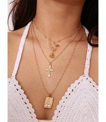 collar cruzado de oro con cuello de pico